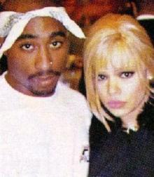 faith-and-2pac-shakure-faith-evans-25624253-332-381